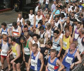 Runners prepare for Run Preston 2008