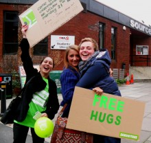 free hugs samaritans