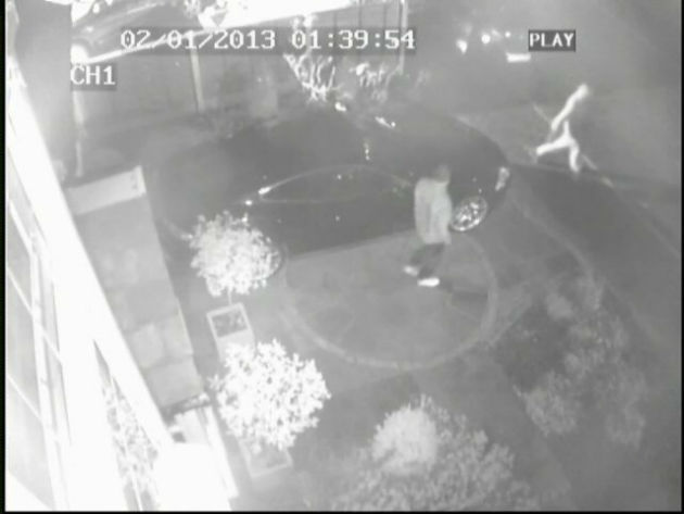 Running from the scene: Thieves make off with the cash