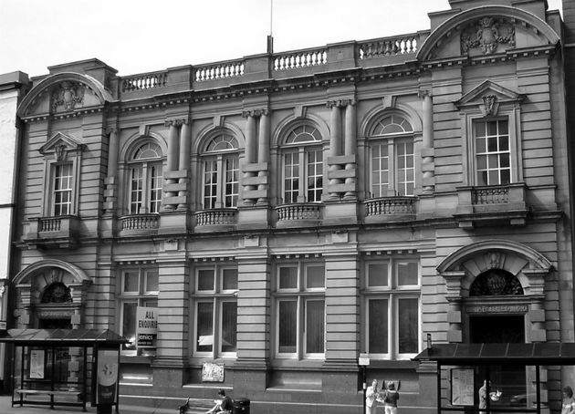Wetherspoons Lodges Plans To Convert Former Tsb Bank Into