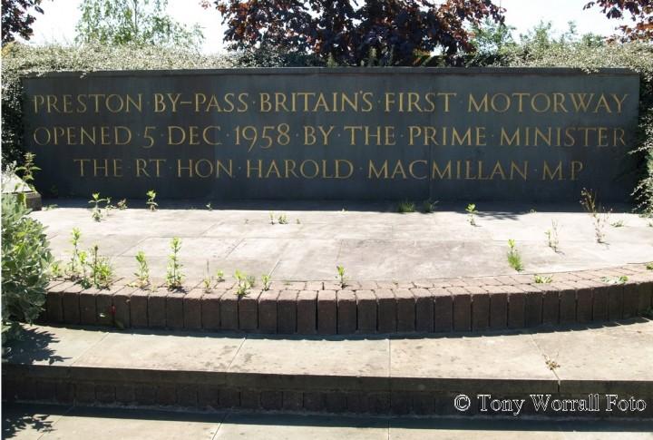 M6 Motorway Opening Commemoration Plaque - Tony Worrall Foto