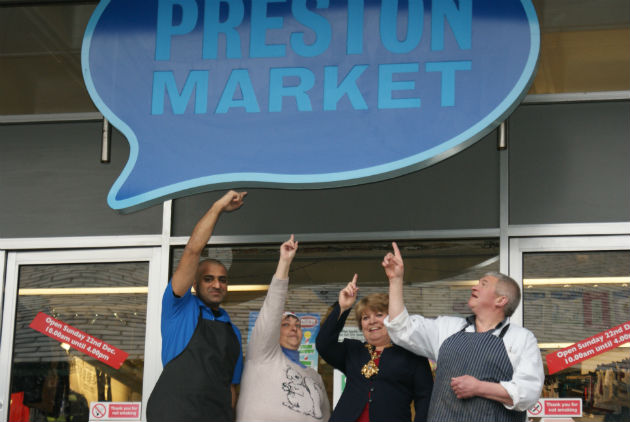 Mohammad Irfan from Aunt Dollies, Janet Nagla from Janz Cake Decorations, Councillor Veronica Afrin, Mayor of Preston and Adrian Livesey from Liveseys Butchers