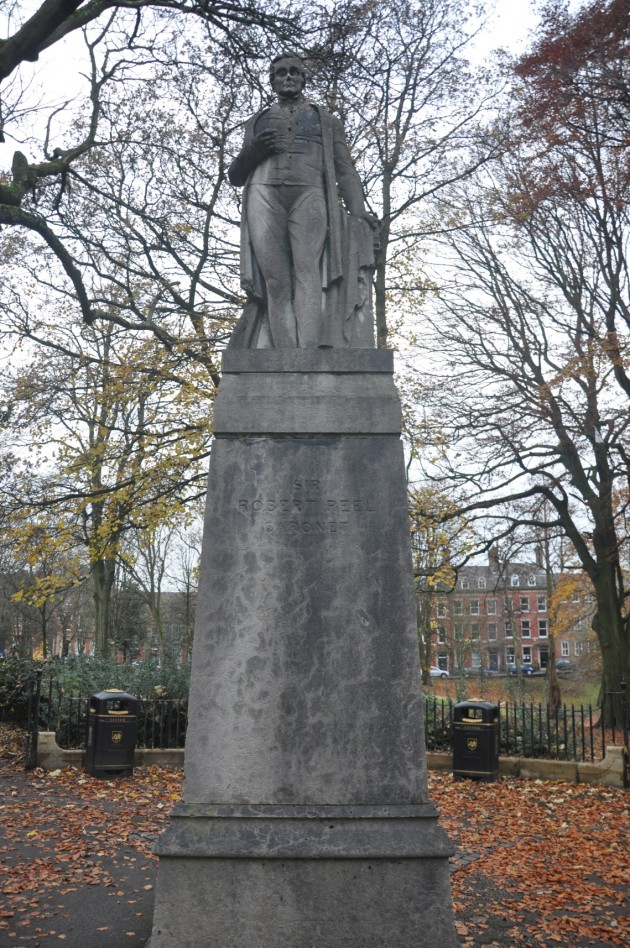 Sir Robert Peel - Full Monument