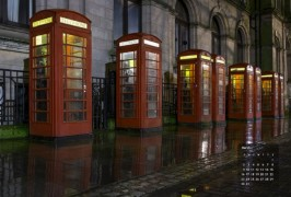 red-phoneboxes630