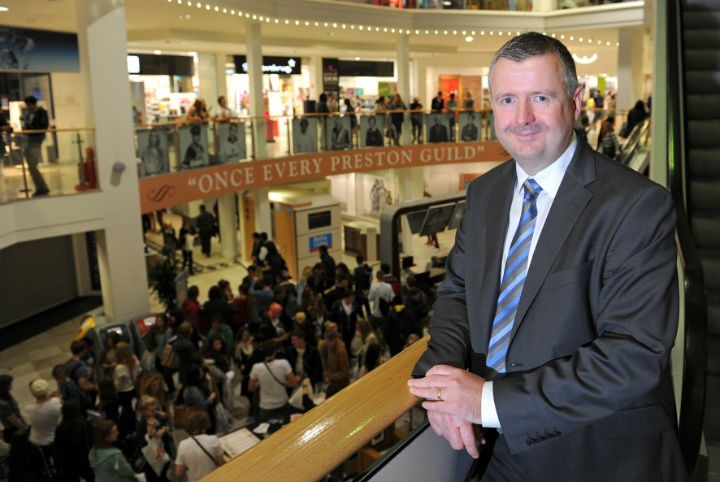 St George's Shopping Centre manager Andrew Stringer believes shops should trade for longer on Sundays