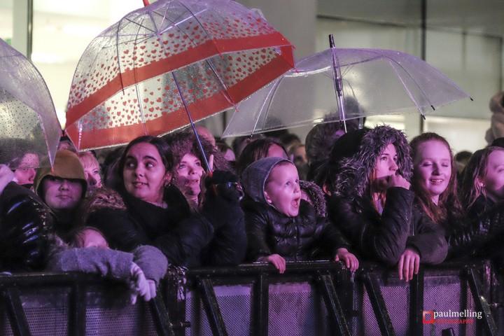 Rain Crowd