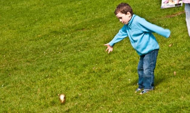 Egg rolling avenham park