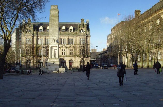 A view of the Cenotaph and the Flag Market