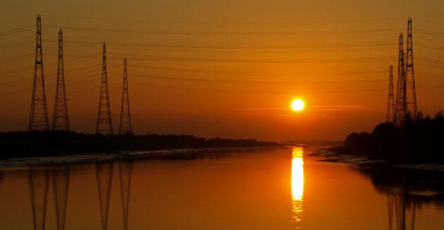 pylon-sunset630