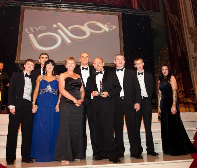 Preston Bus team collecting their leadership award