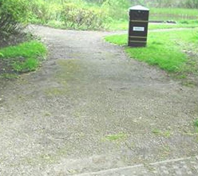 Barley-Pit-new-paths-entrance-Apr14