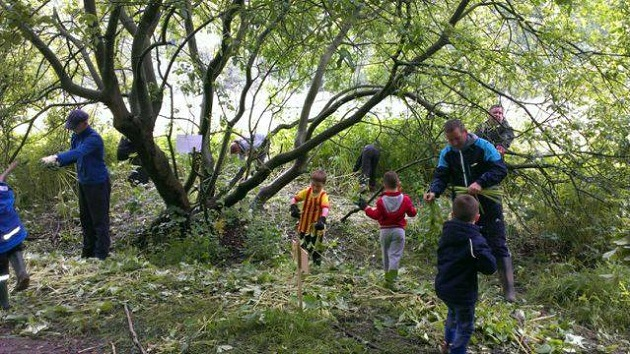 Beavers, cubs and scouts join volunteers