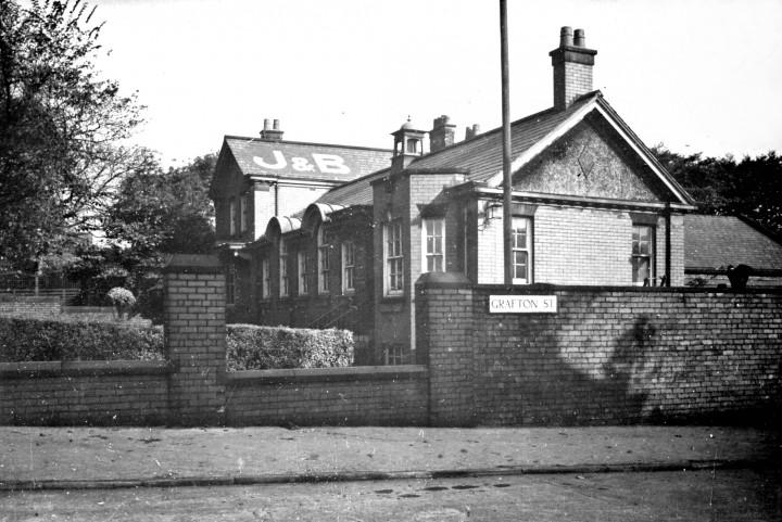 Junction of Fishergate Hill and Grafton Street, Preston c.1950 - Pic: Preston Digital Archive