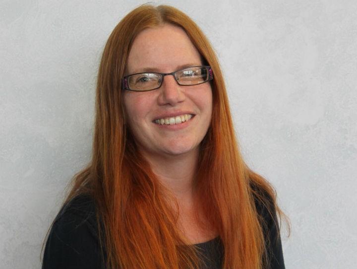 Dr Vicki Cummings